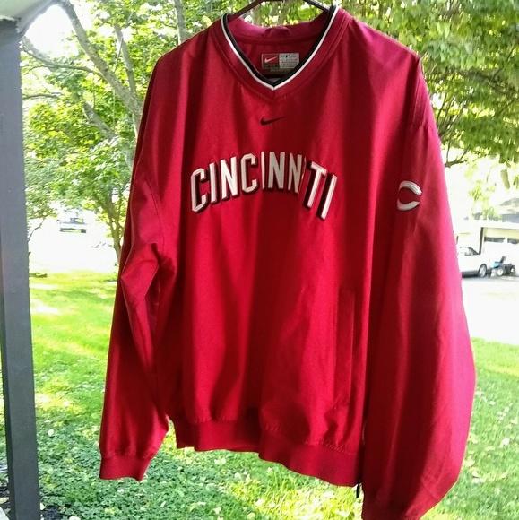 f54a9fd851d7 Nike Cincinnati Reds Windbreaker. M 5b8912a09539f7402b6f0598